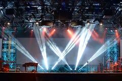 Luces de la etapa del concierto imagen de archivo