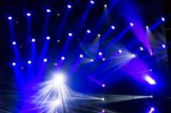 Luces de la etapa en el concierto Fotos de archivo libres de regalías