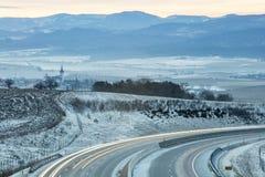 Luces de la mañana sobre la carretera Imagen de archivo
