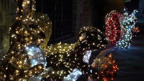 Luces de la Navidad como atmósfera fantasmagórica FDV almacen de video