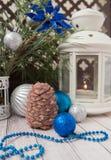 Luces de la Navidad con las bolas Imagen de archivo