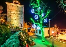 Luces de la Navidad de Croacia de la torre de Advent Zagreb Gric imagen de archivo libre de regalías