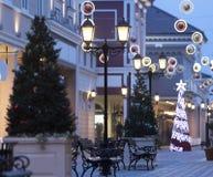 Luces de la Navidad, decoraciones de la Navidad en la calle fotografía de archivo