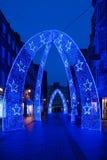 Luces de la Navidad en la calle del sur de Molton en Londres Reino Unido Imágenes de archivo libres de regalías