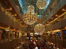 Luces de la Navidad en la alameda Foto de archivo libre de regalías