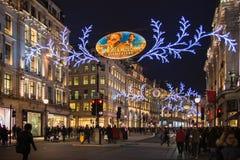Luces de la Navidad en la calle regente Imágenes de archivo libres de regalías