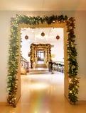 Luces de la Navidad en las puertas imágenes de archivo libres de regalías