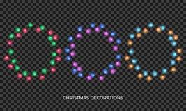 Luces de la Navidad La guirnalda multicolora realista por Año Nuevo y Navidad sazonan Luces brillantes aisladas que brillan inten libre illustration