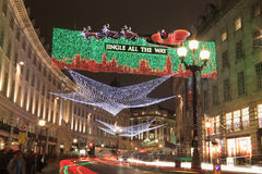 Luces de la Navidad a lo largo de la calle del regente Imágenes de archivo libres de regalías