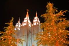 Luces de la Navidad y templo #3 de la iglesia Imagenes de archivo