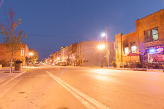 Luces de la noche en Main Street Hannibal Missouri los E.E.U.U. foto de archivo