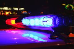 Luces de la policía por noche Foto de archivo