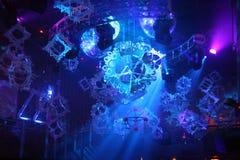 Luces de la sala de baile del club nocturno Fotos de archivo libres de regalías