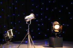 Luces de los proyectores de la TV Imágenes de archivo libres de regalías