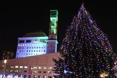 Luces del ayuntamiento de Mississauga durante invierno Imagen de archivo libre de regalías