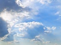 Luces del cielo y del sol imágenes de archivo libres de regalías