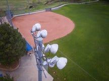Luces del estadio del campo de béisbol Fotografía de archivo