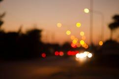 Luces del movimiento de la ciudad de la noche fotos de archivo