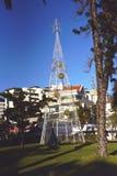 Luces eléctricas enormes que forman un árbol de navidad en Funchal Madeira Fotografía de archivo libre de regalías