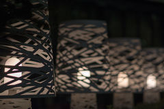 Luces elegantes en fila, salida del foco profundizada Imagenes de archivo