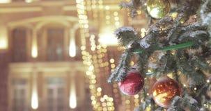 Luces en el árbol de navidad almacen de metraje de vídeo