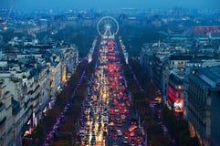 Luces en el Champs-Elysees en París, Francia Foto de archivo