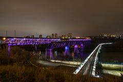 Luces en el puente de Edmonton fotos de archivo libres de regalías