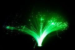Luces verdes que brillan intensamente coloridas foto de archivo libre de regalías
