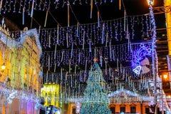 Luces y decoraciones de la Navidad Foto de archivo libre de regalías