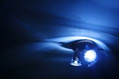 Luces y sombras - azul fotografía de archivo libre de regalías