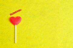 Lucette de forme de coeur avec les mots je t'aime Photographie stock libre de droits