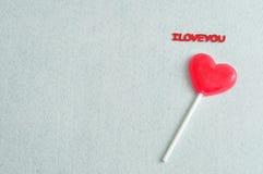 Lucette de forme de coeur avec les mots je t'aime Image libre de droits