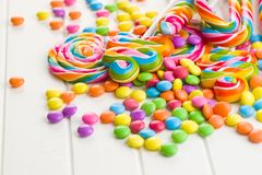 Lucettes color?es et sucrerie douce image libre de droits