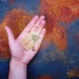 Luch chave da abertura em uma mão humana Fotografia de Stock