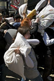 Lucha de almohadilla Fotografía de archivo libre de regalías