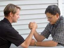 Lucha de brazo Foto de archivo libre de regalías