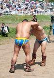 Lucha de los luchadores de Buryat (mongolian) Imagenes de archivo