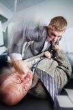 Lucha del negocio en la oficina Fotografía de archivo libre de regalías