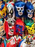 Lucha Libre在销售中掩没在街市上在圣米格尔德阿连德,墨西哥 图库摄影