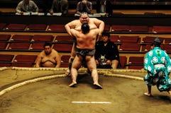 Luchadores editoriales en el torneo del sumo Imágenes de archivo libres de regalías