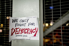 Luchamos solamente para la democracia Imágenes de archivo libres de regalías