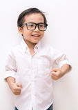 Luchas agresivas enojadas del muchacho asiático Fotos de archivo