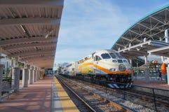 Luchs-Hauptbahnhof, SunRail-Zug, Luchs-Autobusstation, Orlando Florida Lizenzfreie Stockfotos