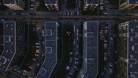 Lucht de onderzoeks dicht bouw ongunstig gebied Top down menings grijze vuile straten stock videobeelden