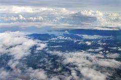 Lucht foto van de kust van Nieuw-Guinea Stock Afbeeldingen