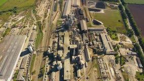 Lucht geschoten fabriekscement stock video