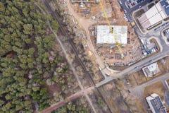 Lucht hoogste mening van bouwterrein Bouw van nieuwe woningbouw stock afbeelding