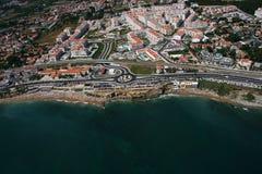 Lucht kustlijnmening met zandig strand Stock Foto