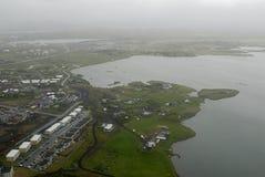 Lucht mening aan de zeekust van IJsland Stock Foto