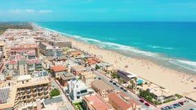 Lucht Mening De flats van Costablanco dichtbij strand stock footage